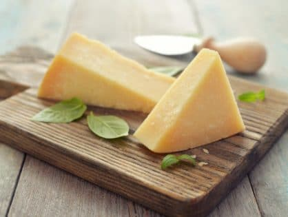 13 Health Benefits of Aged Cheese and Risks