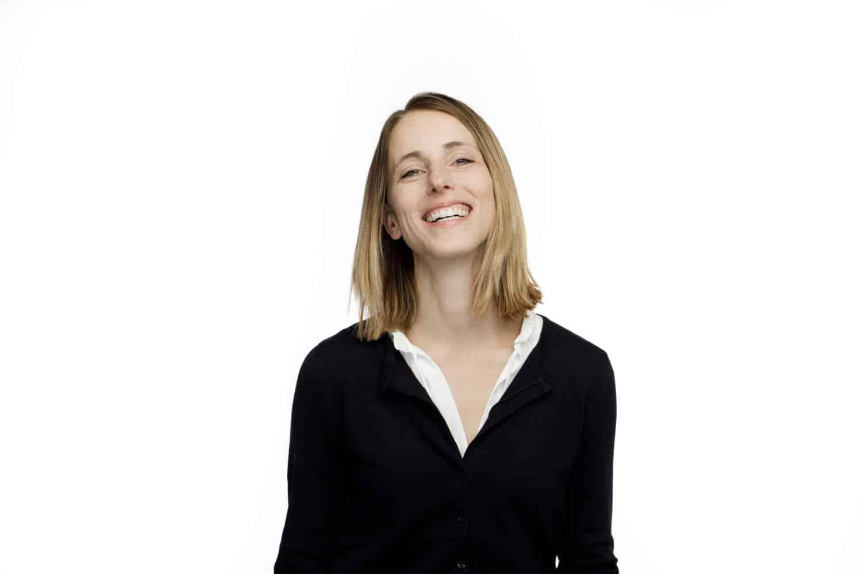 Heidi Moretti profile smiling by The Healthy RD