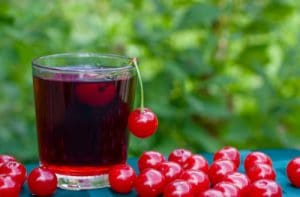 Cherry juice and fresh red cherries for kidney cleanse by The Healthy RD